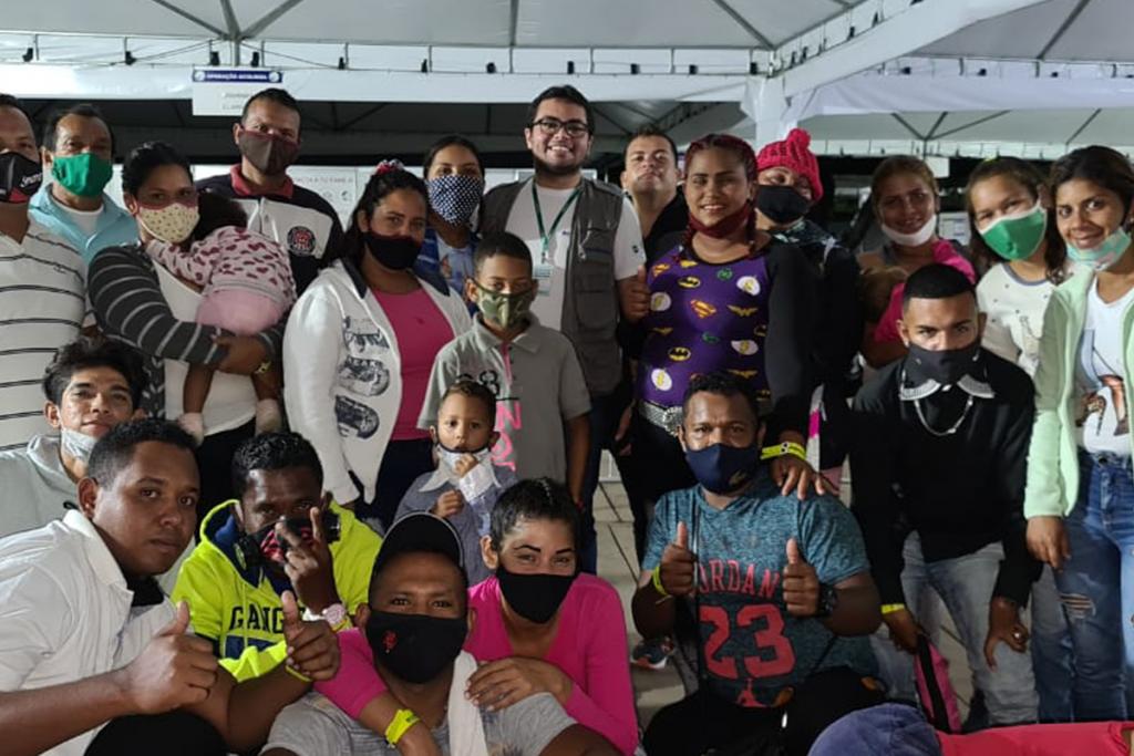 Grupo de refugiados e migrantes desembarca em Minas Gerais para trabalhar na região Sul do estado
