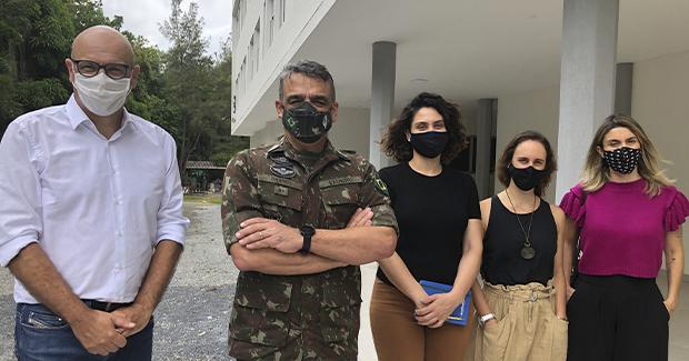 Chefe da Operação Acolhida visita instalações de centro de acolhimento para venezuelanos em Brasília